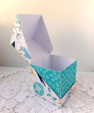 Diagonal Fold box with Insert