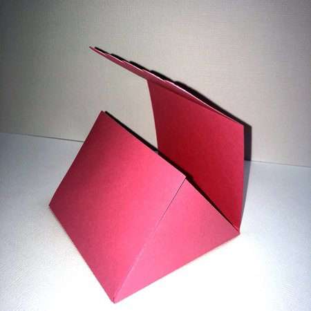 Triangle Side Folding Box